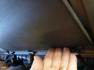 glovebox_hinges
