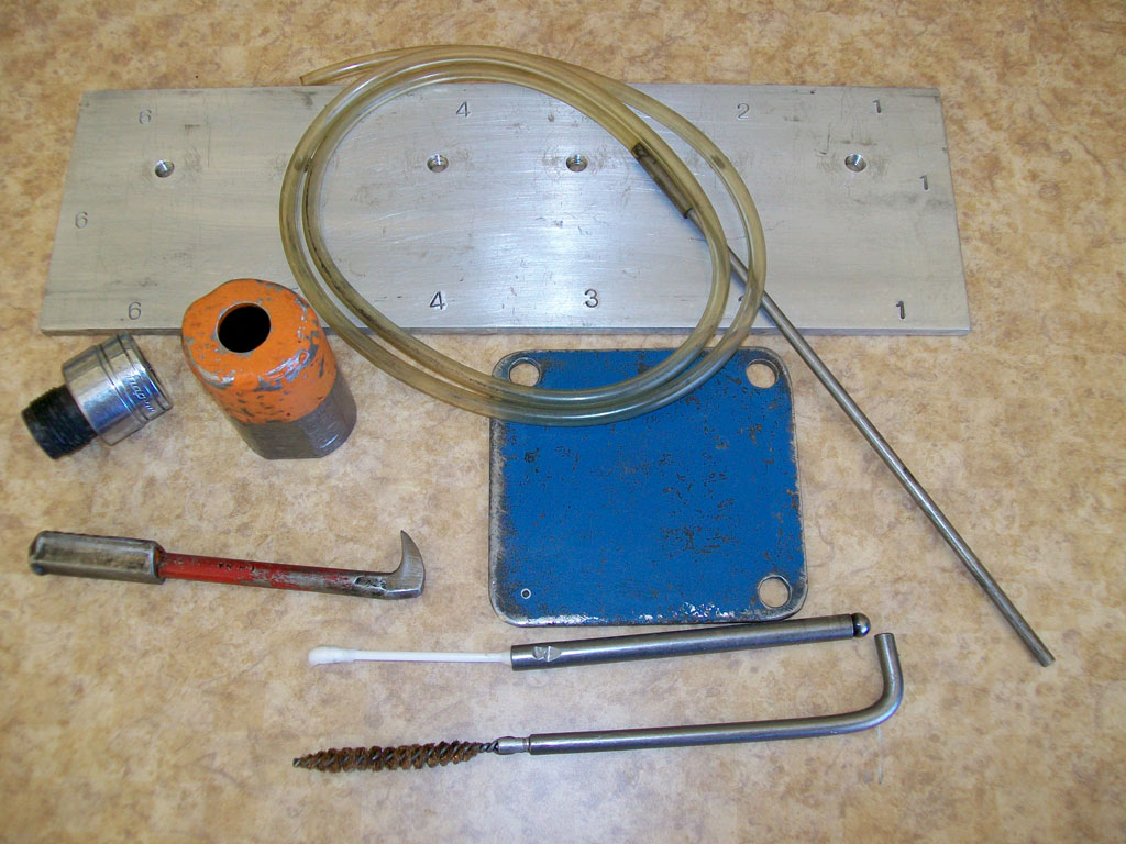 Specialty tools for HPCR injector replacement.